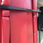 Sofateile im Container auf der Rampe Schloms